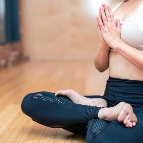 Cómo mejorar el animo estando en casa durante el aislamiento con deporte
